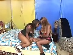 Mature black lesbian fistfucked by hottie